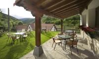 Porche Hotel Rural Besaro - Selva de Irati