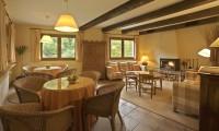 Salón completo Hotel Rural Besaro - Selva de Irati