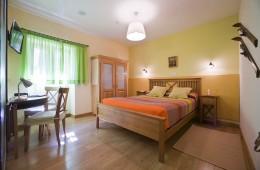 habitación - Irati - Hoteles Selva de Irati - Hotel Rural Besaro - Ochagavia - Navarra.